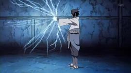Sasuke berlatih chidori eisou