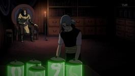 Kabuto menyiapkan obat Orochimaru