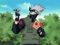 kakashi menangkap shuriken tanpa melihat