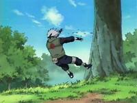 kakashi terkena serangan sasuke