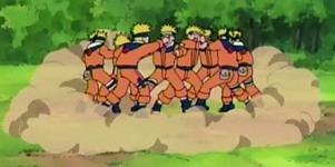 Naruto saling serang sesamanya
