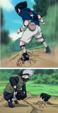 Kakashi menarik Sasuke ke tanah