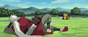 Jiraiya memperhatikan latihan Naruto