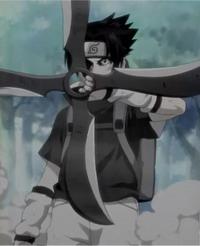 Sasuke dengan fuuma shuriken
