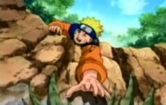 Naruto berusaha mengambil menma
