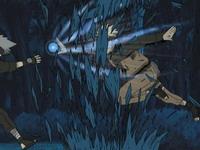 Naruto menghajar pohon tempat Kakashi sembunyi