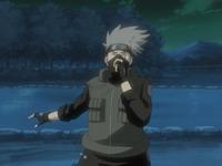Kakashi bersiap menggunakan katon goukakyu