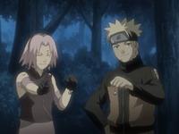 Sakura dan naruto berhasil merebut lonceng
