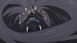 Kakuzu menyerang