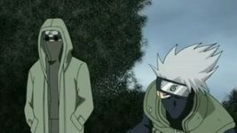 Shino menyelamatkan kakashi