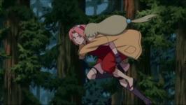 Sakura menggendong Shion
