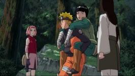 Naruto menggendong Lee yang mabuk