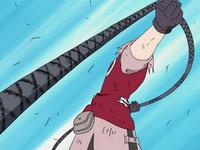 Sakura menarik tali baja
